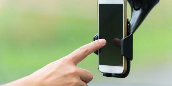 Uchwyt do telefonu z mocowaniem na przyssawkę